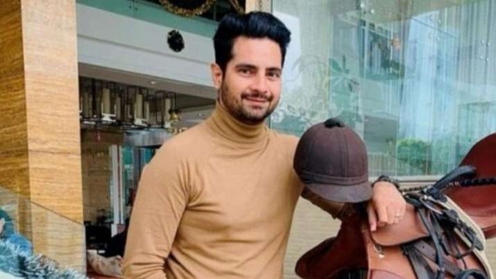 Karan Mehra used to work in pizza joint before YRKHH