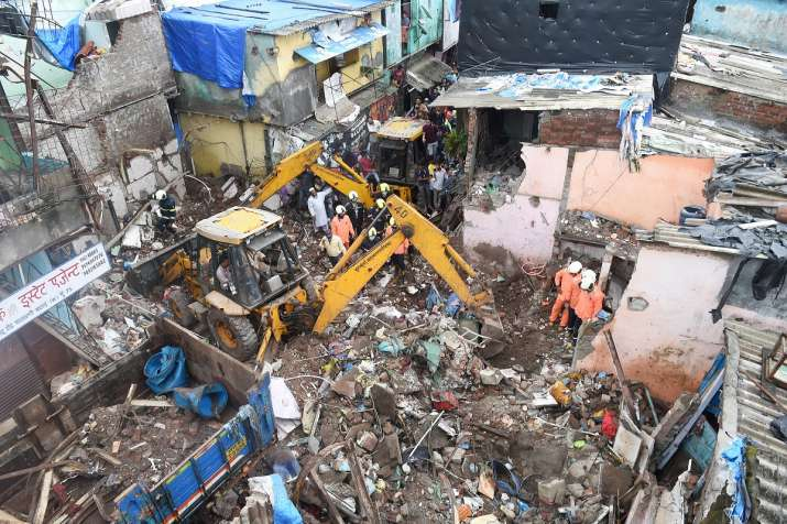 Bombay HC orders judicial inquiry in Malad building collapse