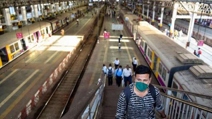 2,018 people fined by CR for travelling in Mumbai locals