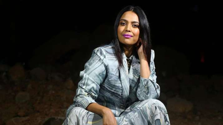 Netizens hit out at Swara Bhasker after her comments on Ghaziabad's elderly man assault case