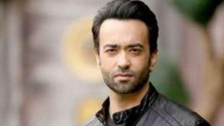 Pakistani singer Farhad Humayun dies, Atif Aslam, Ali Zafar and others offer condolences
