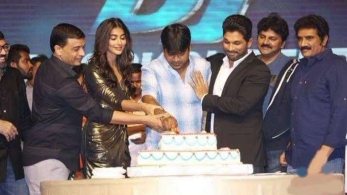 Pooja Hegde shares throwback picture with Allu Arjun as she recalls being part of Telugu film DJ