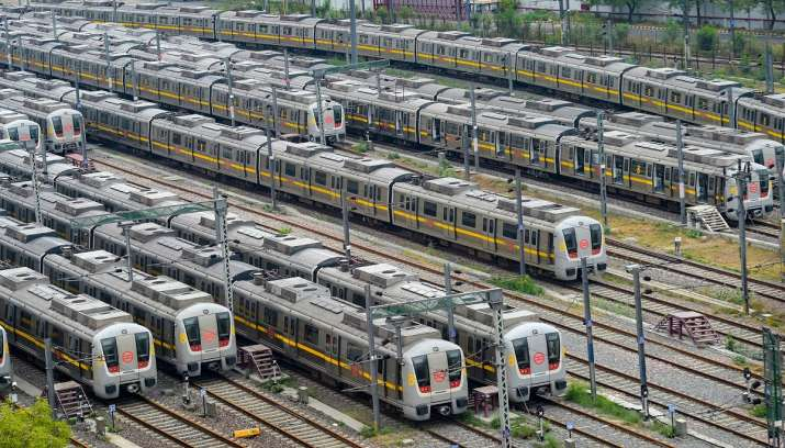 Delhi Unlocking: AIIMS doctor warns against resuming metro