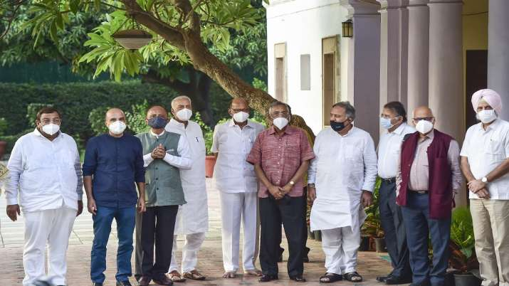 At least eight political parties met at Sharad Pawar's house