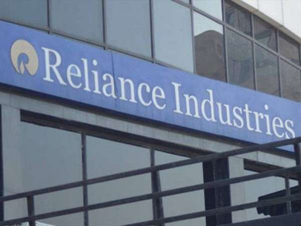 Reliance Industries shares maintain winning run for 7th