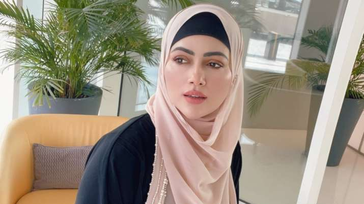 Sana Khan trolled for wearing 'Hijab,' ex-Bigg Boss contestant teaches user a perfect lesson