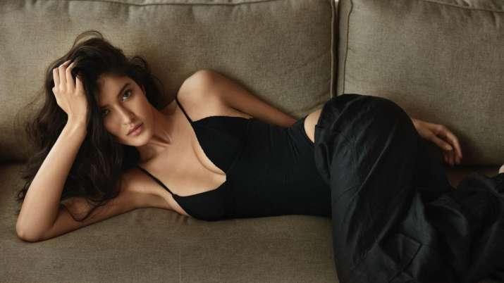 How Shanaya Kapoor is preparing for her big Bollywood debut?