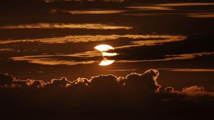 India Tv -  solar eclipse, solar eclipse live, solar eclipse photos,surya grahan, surya grahan 2021, surya grah