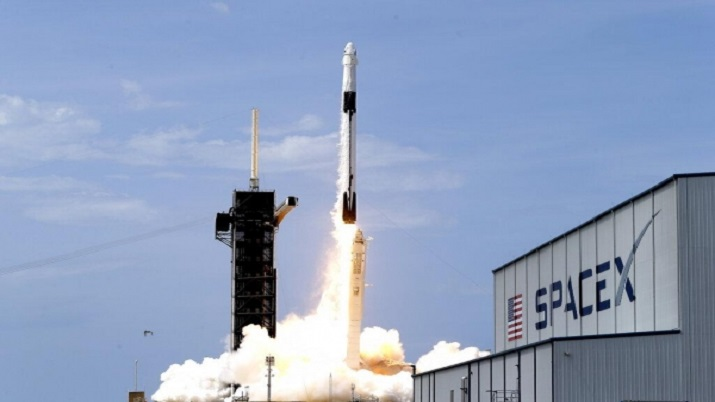 Rockets 2021 Christmas Spacex May Launch Rockets From Ocean Spaceport By Next Year Report Spacex News India Tv