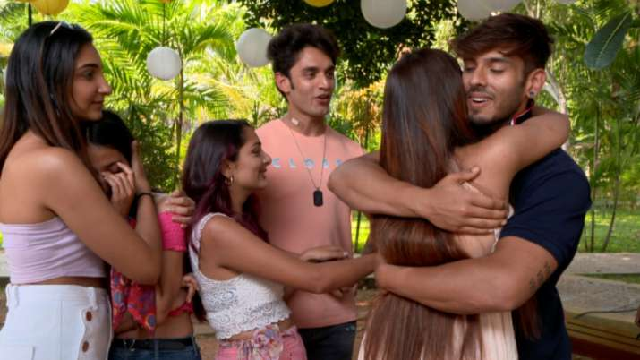 Splitsvilla X3: Vyomesh's sudden exit erupts a nasty fight between contestants in Sunny-Rannvijay's