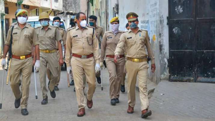 UP Police acts tough on its men, over 500 cops transferred