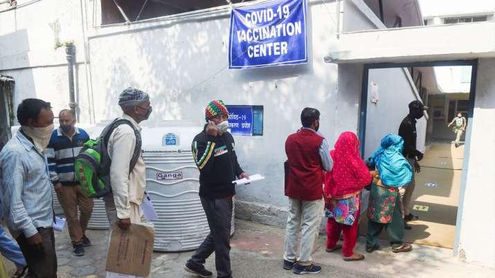 Arvind Kejriwal visits vaccination centre, says people