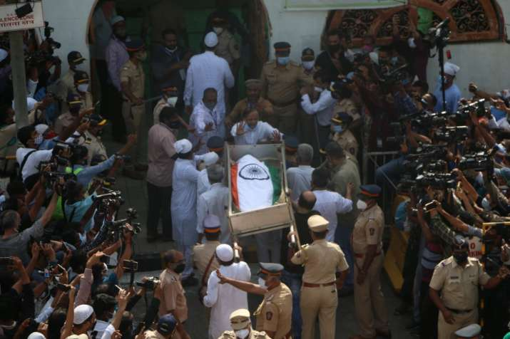 India Tv - Pictures from Dilip Kumar's burial ceremony