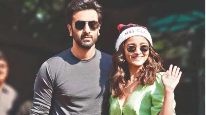 Alia Bhatt's phone cover has a Ranbir Kapoor