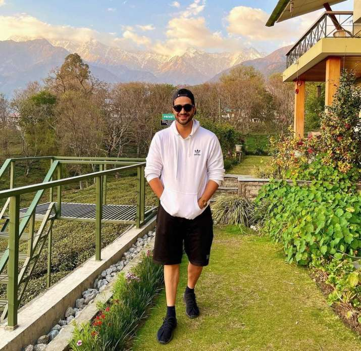 India Tv - Aly Goni to Sharad Malhotra: Celebrities miss those good old mask-free vacation days