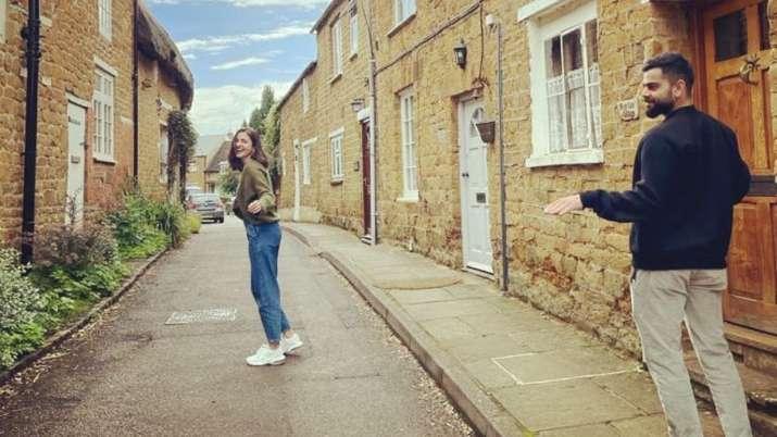 Anushka Sharma, Virat Kohli get goofy in England