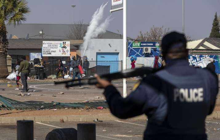 10 dead in South Africa riots over jailing of ex-President Jacob Zuma