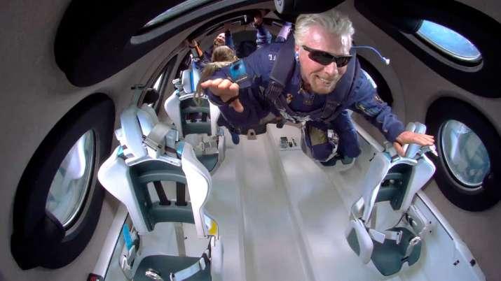 British Billionaire Richard Branson, Virgin Galactic spaceship