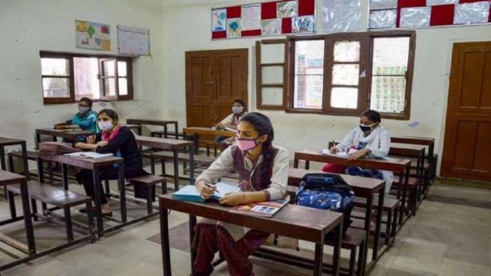 Karnataka colleges, colleges reopen, colleges reopen today, COVID cases dip, coronavirus pandemic, c