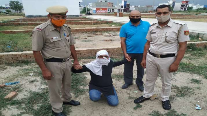 delhi news, delhi crime news, delhi crime, woman killed body dumped in drain, old woman murder, naja