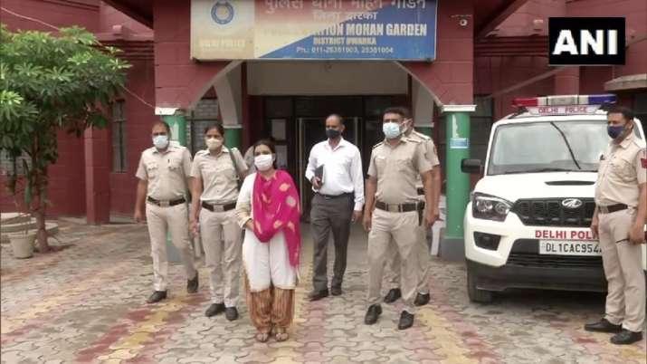 India Tv - delhi news, delhi crime news, delhi crime, woman killed body dumped in drain, old woman murder, naja