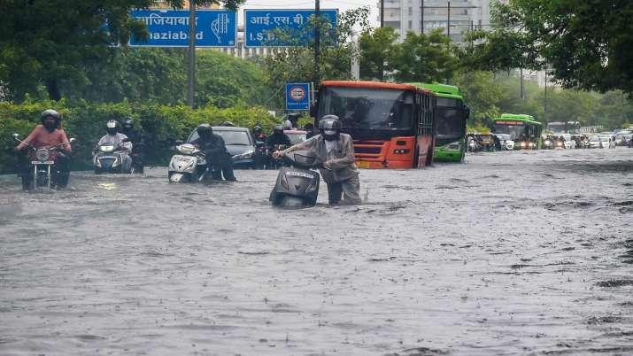 Delhi rains, Delhi weather update, Delhi monsoon, heavy rains in delhi, Delhi,Delhi rain forecast, D