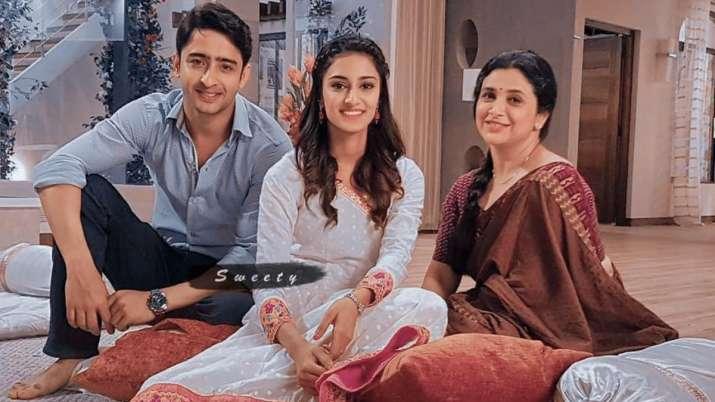 Kuch Rang Pyar Ke Aise Bhi 3: Shaheer Sheikh, Erica Fernandes & others open  up on new season | Tv News – India TV