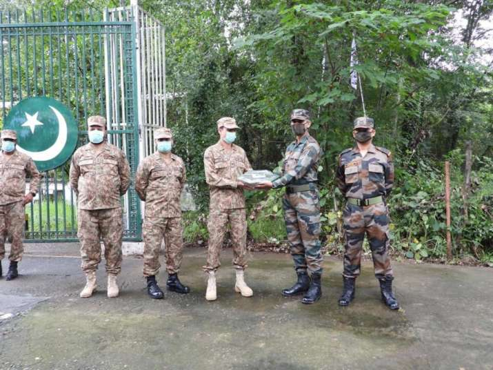 Eid celebrations 2021, India pakistan soldiers exchange sweets LOC, LOC Eid celebrations 2021,