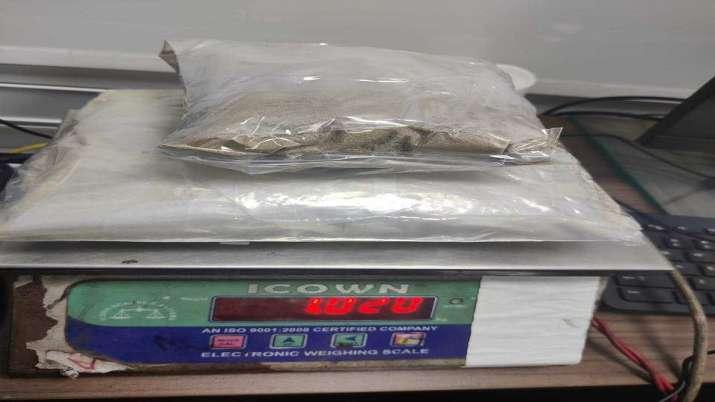 India Tv - Heroin, Rs 7 crore, heroin concealed, parcel of bangles, heroin seized, Delhi airport, delhi crime n