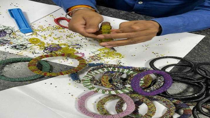 Heroin worth Rs 7 cr concealed in parcel of bangles seized