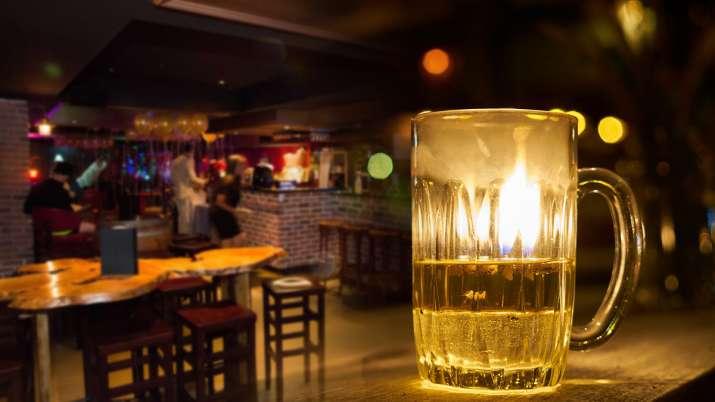 delhi liquor shop timing