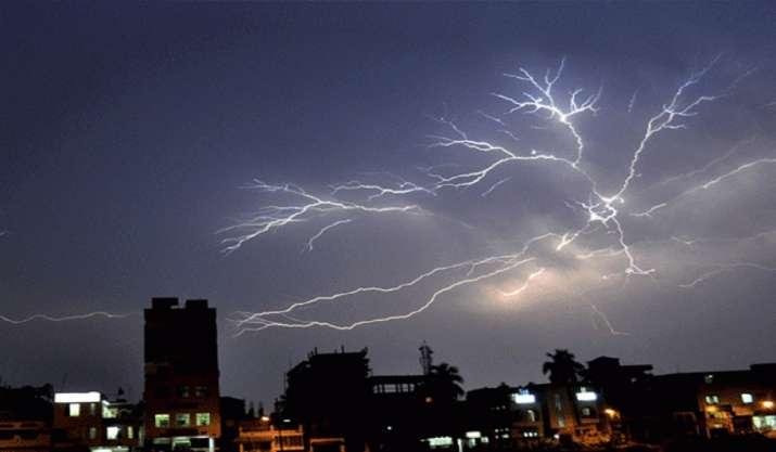 Heavy lightning kills 18 in Rajasthan, including 7