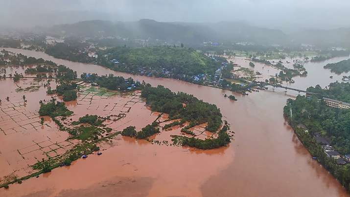 Thane: Indian Air Force (IAF) team carry out rescue work in