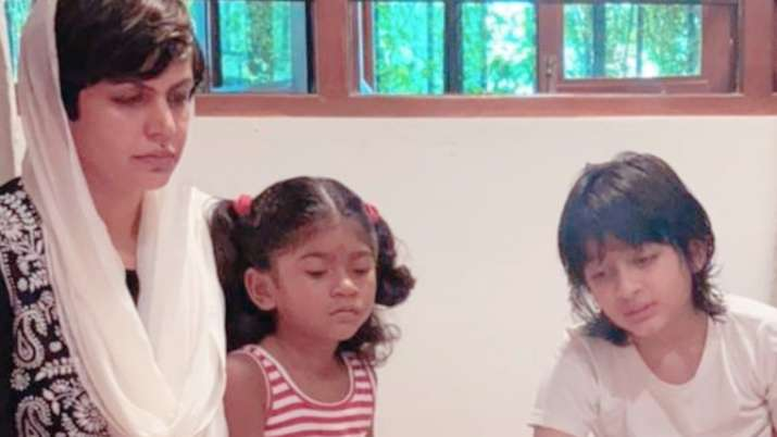Mandira Bedi performs pooja with her kids in memory of her