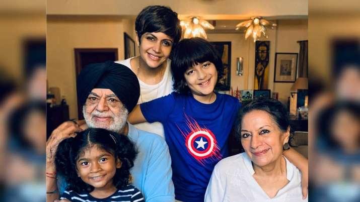 Mandira Bedi 'grateful' as she shares pic with parents, children post husband Raj Kaushal's demise