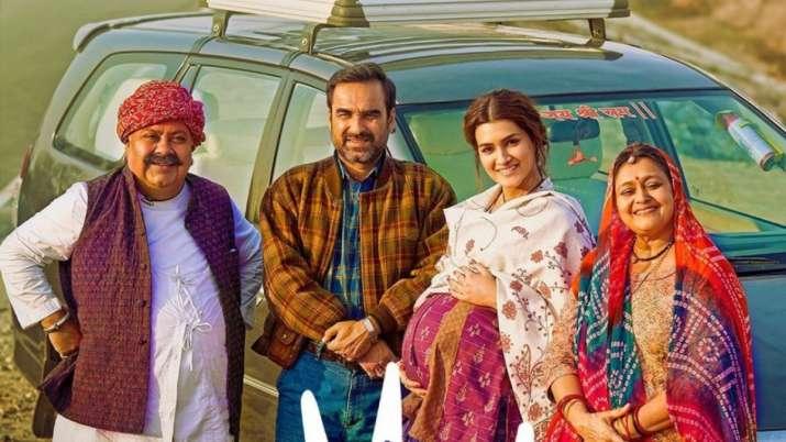 'Mimi' trailer featuring Kriti Sanon, Pankaj Tripathi leaves netizens in splits