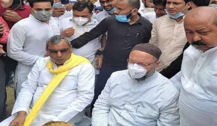 Eyes set on UP polls, Owaisi meets Rajbhar in Bahraich;