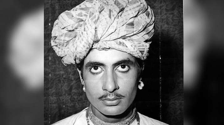 Amitabh Bachchan shares pic from his look test for 1971 film for which he 'actually got selected'