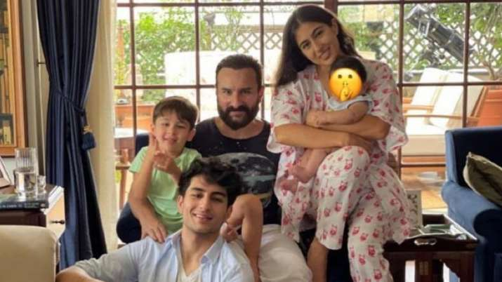 Sara Ali Khan treats fans with special messages, shares FIRST photo with Jeh, Taimur, Ibrahim in a single frame