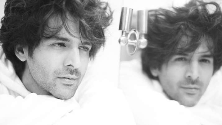 Kartik Aaryan's monochrome picture sure to drive away your mid-week blues