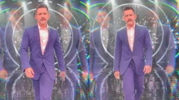 Indian Idol 12 presenter Aditya Narayan celebrates breaking record of long-running reality show