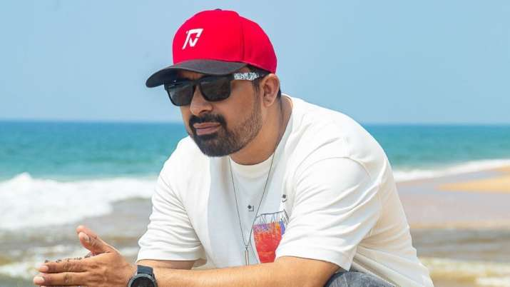 Host Rannvijay Singha of Splitsville shares his FIRST look at his second child;  see pic
