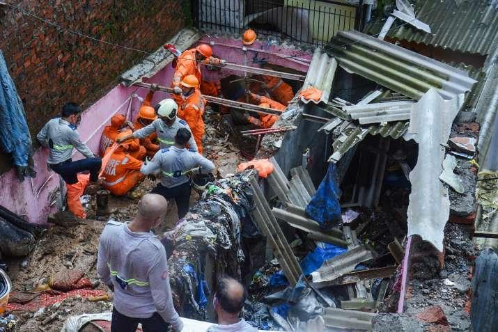 mumbai wall collapse