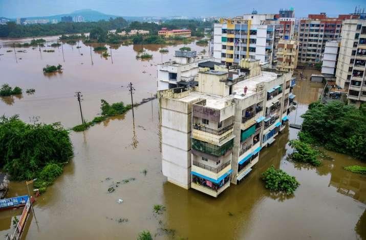 India Tv - Visual from Mumbai as rains wreak havoc
