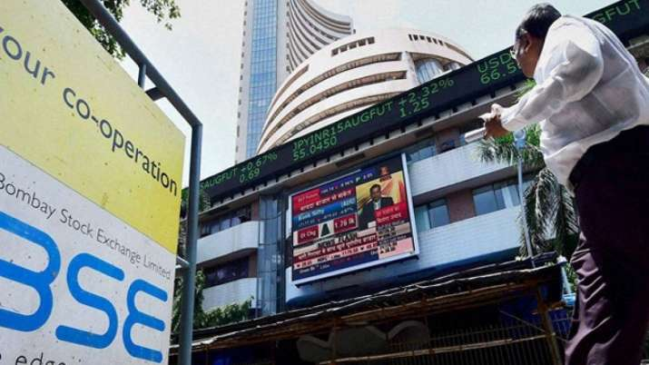 Sensex tanks over 500 points in early trade