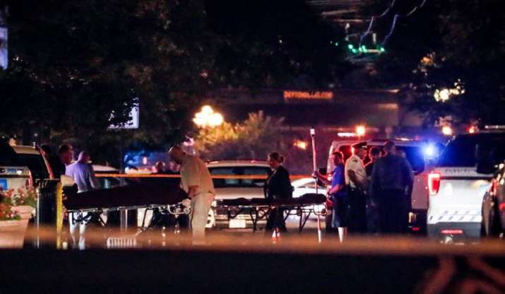 US: 1 officer killed, 3 wounded in standoff with Texas