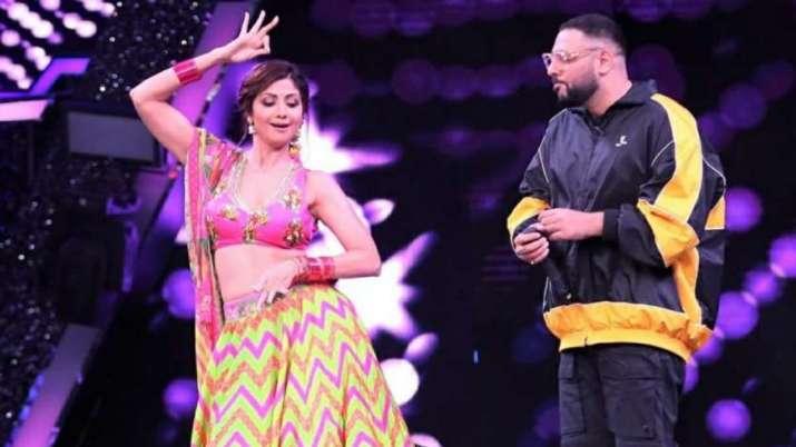 Super Dancer Chapter 4: Badshah, Shilpa Shetty shake legs on 'Genda Phool,' remove footwear for cont