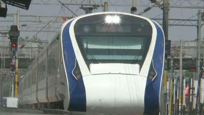 Varanasi-New Delhi Vande Bharat express was detained.