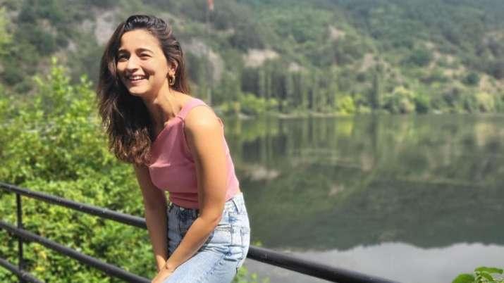 Alia Bhatt channels girl-next-door charm in latest Instagram pictures