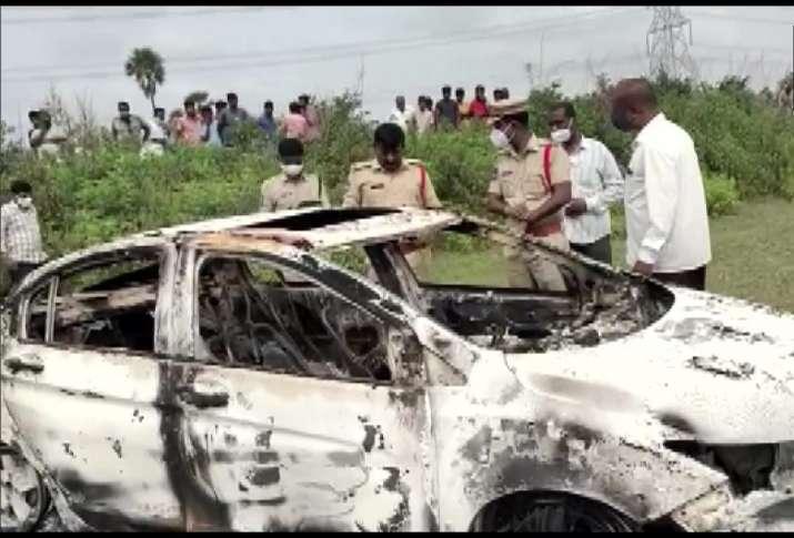 Former BJP leader, bjp leader dead, bjp leader death, burnt car trunk, Telangana, Medak  district, l